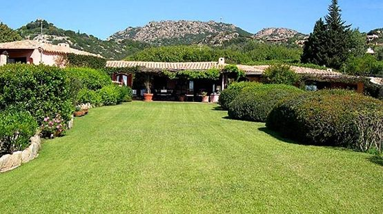 VILLAS EN LOCATIONS SUR LA COSTA SMERALDA